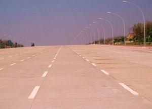 Five lane Freeway